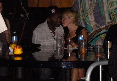 50 Cent &amp; Chelsea Handler. Photo: Mirror.co