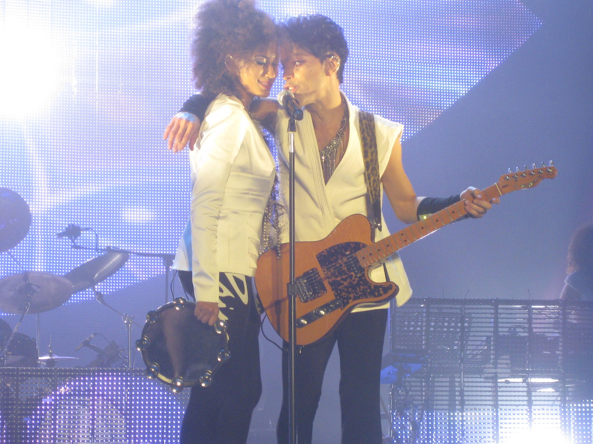 Andy Allo & Prince. Photo: Gerard van den IJssel