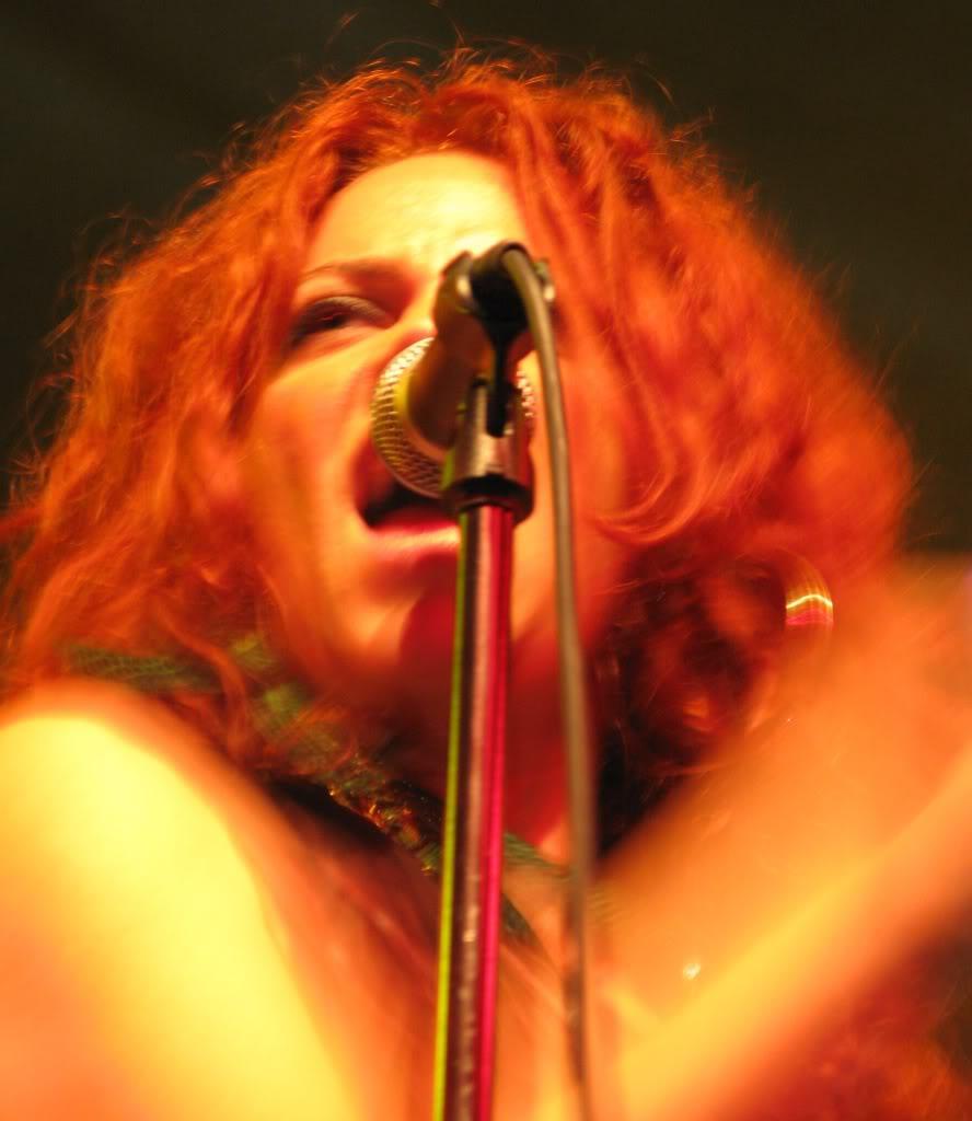 Nikka Costa Live.  Photo: M. Walker For Drfunkenberry.com