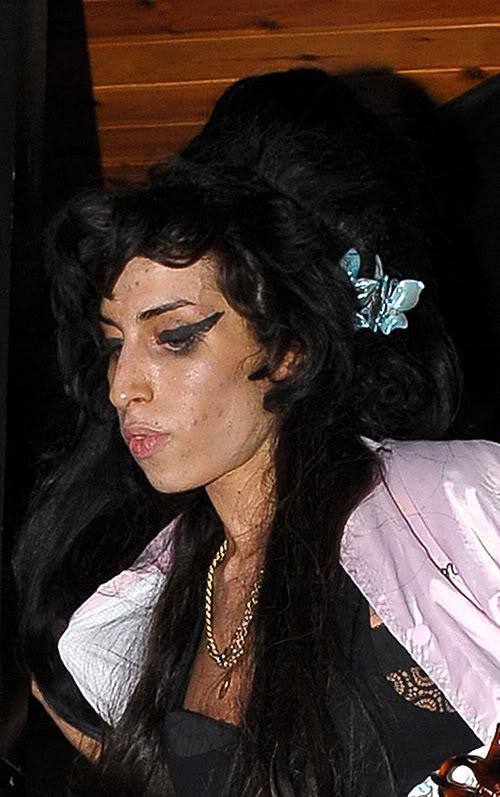 Winehouse Looking Oh So Pretty In London 09/25 Photo: Splashnewsonline.com