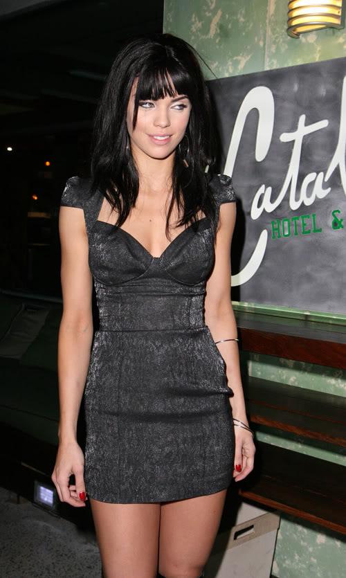 AnnaLyne Debuts New Do In Miami, Florida.  Photo: INFDaily.com