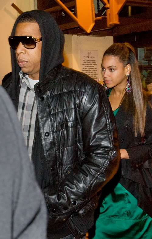 J & B In NYC.  Photo:  Splashnewsonline.com