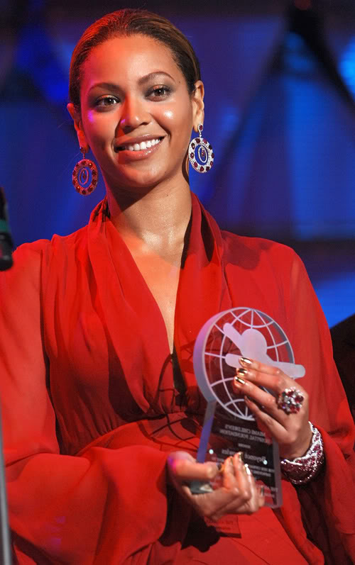 Beyonce Gets An Award in Miami. Photo: Wireimage.com