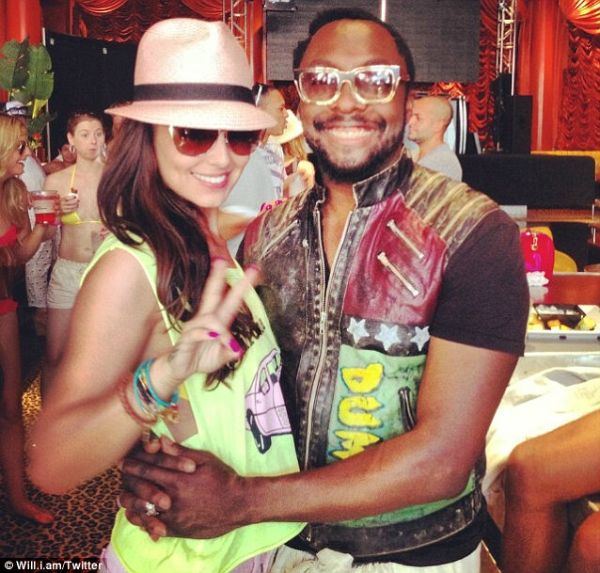 Cheryl Cole & Wil.I.Am. Photo: Twitter.com