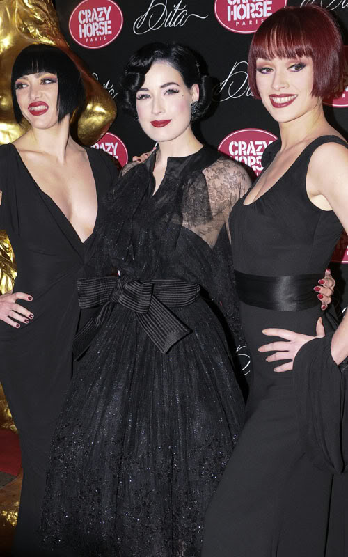 Dita Von Teese And Her Two Teases.  Photo: Flynetonline.com