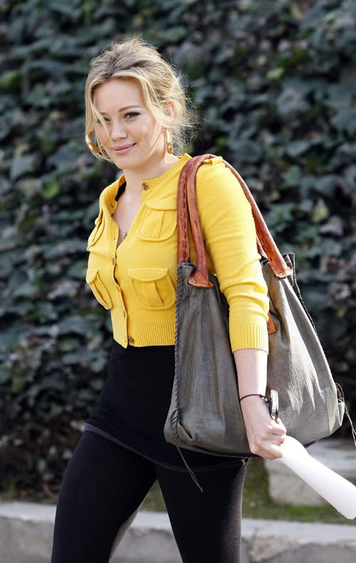Hilary Duff Out Making Your Day A Lil Brighter.  Photo: PacificCoastNewsOnline.com