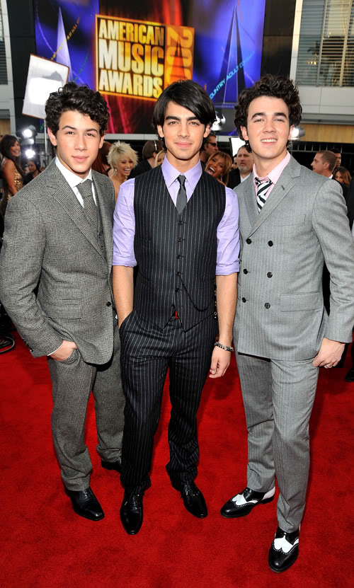 The Jonas Brothers Invade The AMAs.  Photo: Getty Images