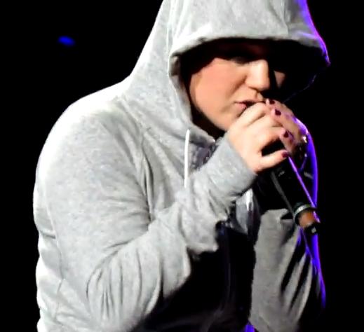 Kelly Clarkson Covers Eminem
