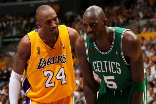 Kobe & Kevin Go At It December 25th.  File Photo