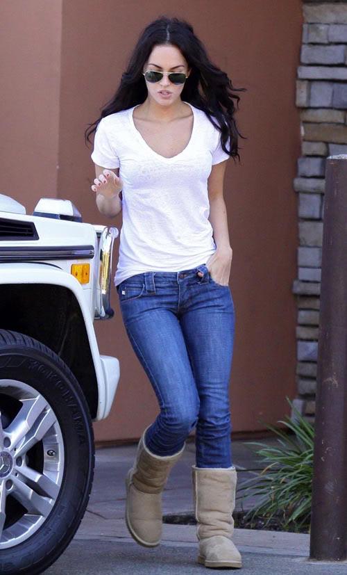 Megan Fox Saturday In L.A. Photo: Flynetonline.com