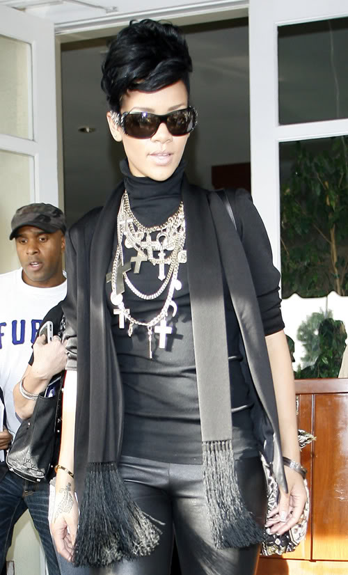 Rihanna Out n About In L.A. Photo: Famepictures.com