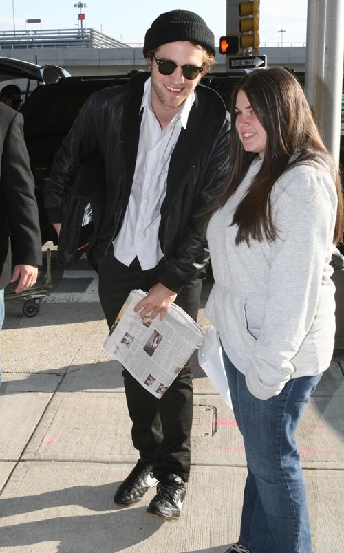 Robert Pattinson At JFK Airport In New York.  Photo: INF Daily.com