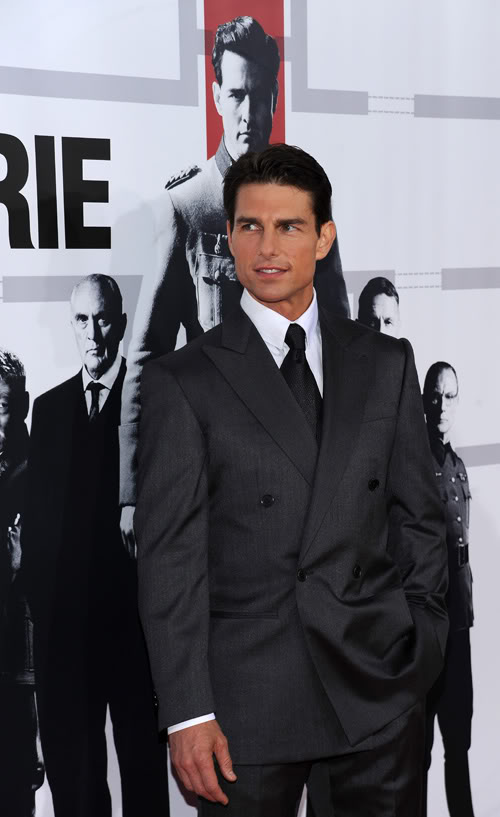 Tom Cruise Looking Dashing Promoting New Movie.  Photo: Wireimage.com