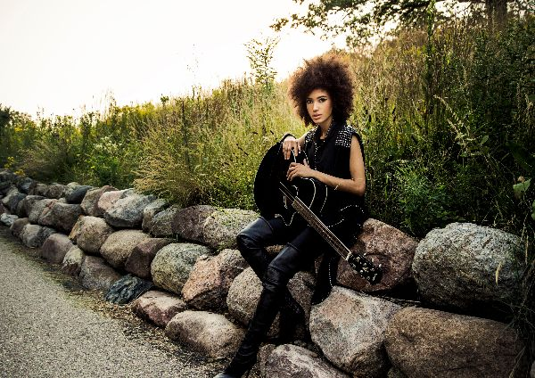Andy Allo Promo Photo