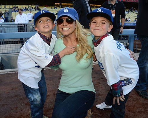 Britney Spears & Kids Photo: Gettyimages.com