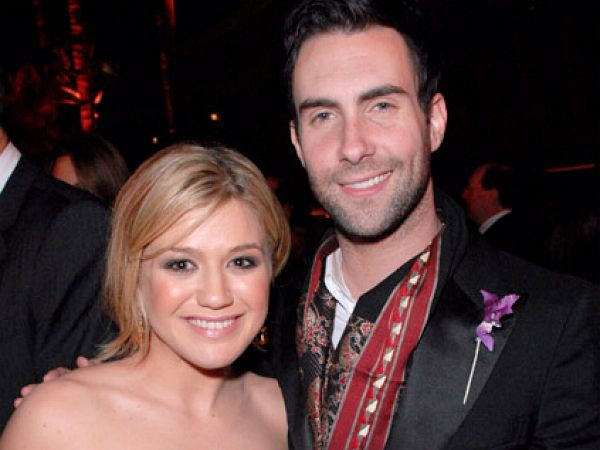 Kelly Clarkson & Adam Levine  Photo:  GettyImages.com