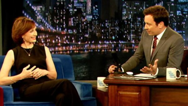 Kristin Scott Thomas & Jimmy Fallon Screen Cap MetaCafe.com
