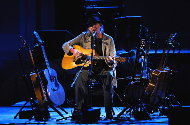 Neil Young: Photo: LosAngeles-Theatre.com