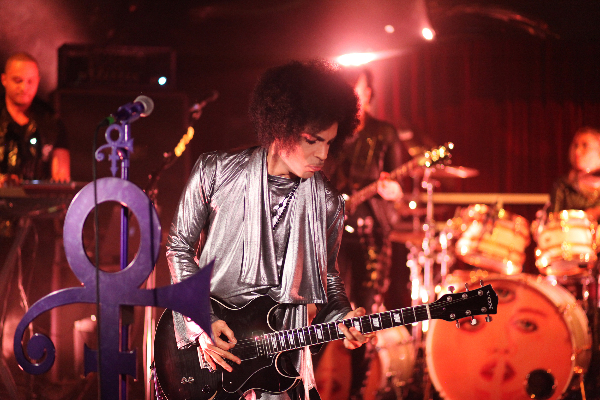Prince & 3RDEYEGIRL-Dubai Photo NPG RECORDS 2015
