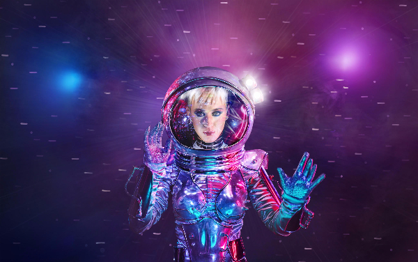 MoonWoman! Katy Perry Set To Host MTV VMA?s (Yea, They Give Awards For Videos They Don?t Play Anymore)